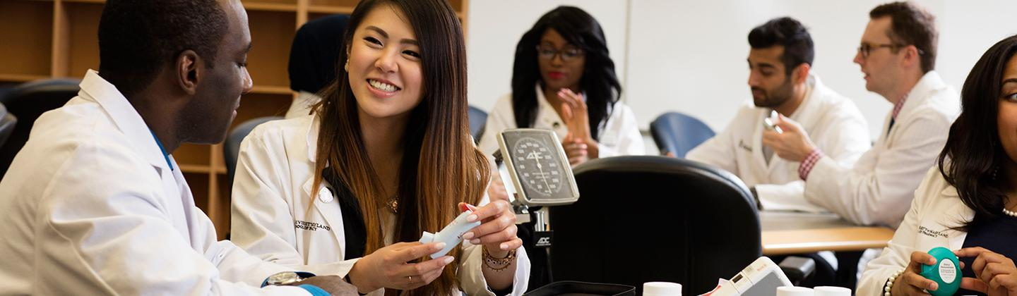 Student Pharmacists Work Together in the Pharmacy Practice Lab